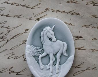 Unicorn Cameo Cabs - 1 piece  - Fantasy Magic Mythological - 40x30mm green white