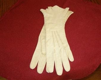 Kid Gloves Made in France Super Soft Light Weight Kid Leather Vintage Gloves Size 6