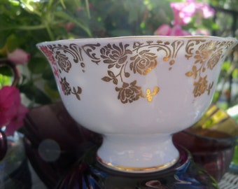 Elegant Pedestal Bowl Open Sugar Dish Vintage Royal Albert Bone China England WONDERFUL Condition