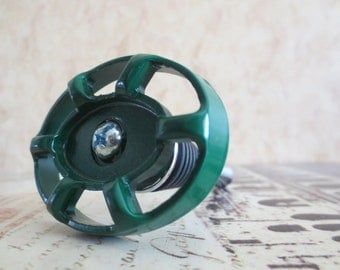 Wine Bottle Stopper - Green Round Valve Handle Wine Stopper