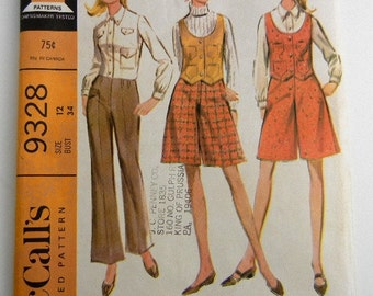Sewing pattern misses and junior separates size 12 McCalls 9328 - shirt, pants, pantskirt & vest  vintage from 1968 // mod // coulottes