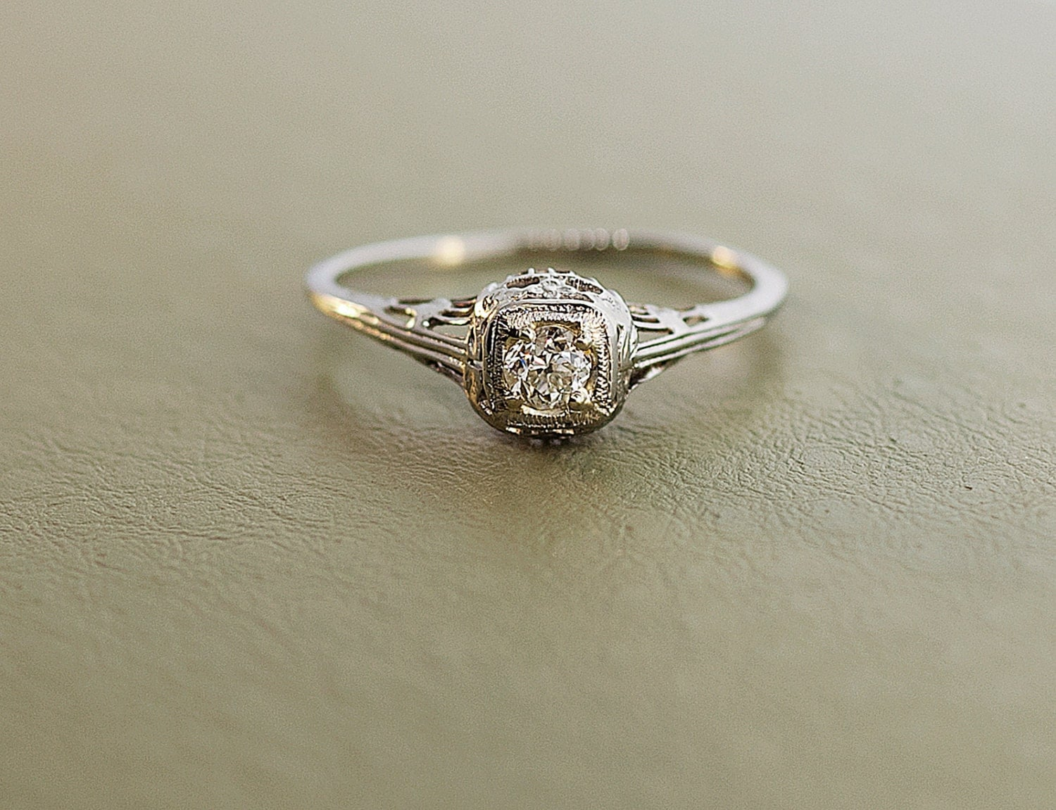 Antique 1920 s 18k White Gold Diamond Filigree Engagement