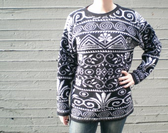 vintage 1980s tunic sweater with floral and geometric design. reversible. retro clothing. size medium.