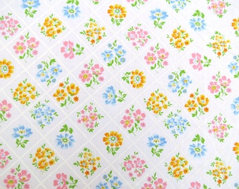 Vintage Sheet Fat Quarter Fabric - Pretty Floral Trellis