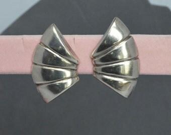Designer Vintage STERLING SILVER ZINA of Beverly Hills Modernist fan design Earrings Signed .925 Clip