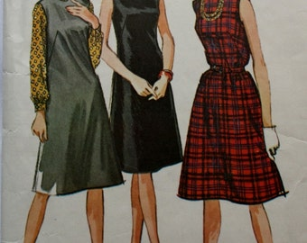 1960s Sleeveless Dress / Jumper and Blouse / McCalls 6959 /  Vintage Sewing Pattern / Bust 34