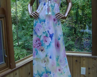 Silk Lingerie Gown in Silk Floral Crepe De Chine