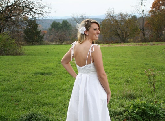 Simple Elegant Wedding Dress With Modern Twist By