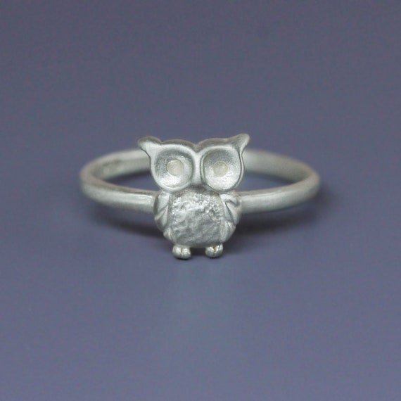 The little owl Ring in Sterling Silver, Baby owl silver ring