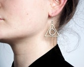 Pair of dealthy hallows harry potter earrings