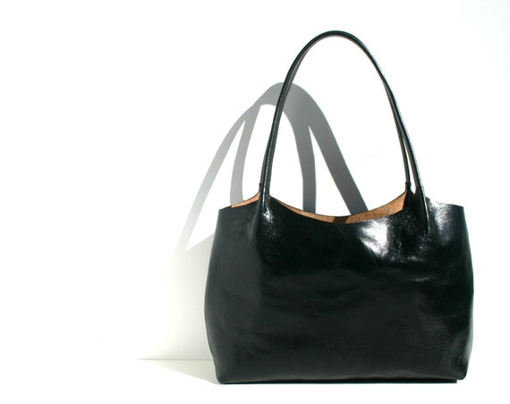 Leather tote bag, leather shopping bag, leather handbag.