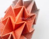 Origami para llevar: serigrafía gradiente rosa o naranja flúo sobre lino