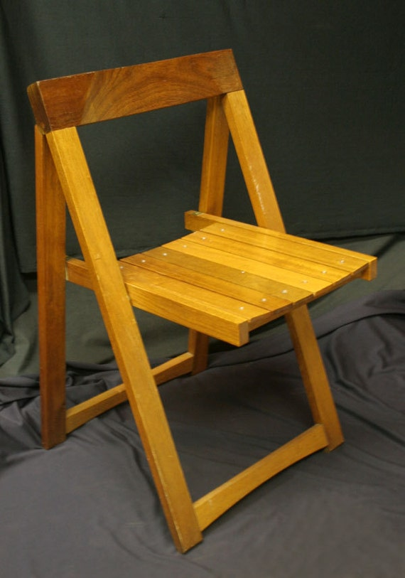 Mid Century Wooden Fold Out Chair