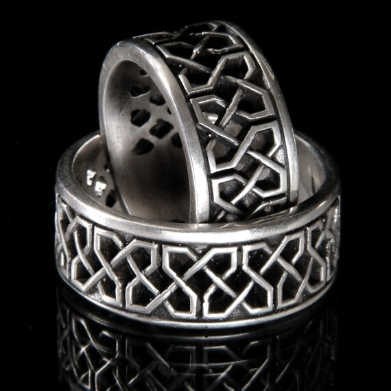 Celtic Wedding Band Set With Open Cut-Through Knotwork Design in 14K Gold, Made in Your Size CR-741b