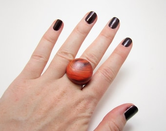 Persimmon Red Wood Ring with Black Grain Pattern