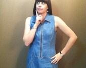 Women's Sleeveless Denim 90's Jumper Dress w/ Zipper and Pockets and Collar- Size 8