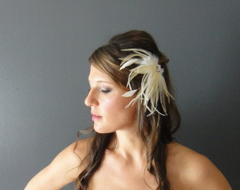 Ivory  Bridal Feather Hair Piece, Bridal Feather Fascinator, Champaign Feather Bridal Fascinator