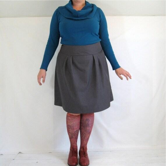 Flatterer Skirt - plus size - grey vintage fabric - 41W-54H