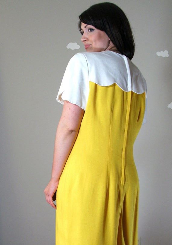Sale - Vintage dress bright yellow white scalloped collar extra large Sunny Side
