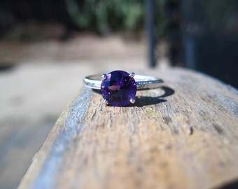 Deep Purple Amethyst ring in Sterling silver with Fleur de Lis setting and Millgrain Band