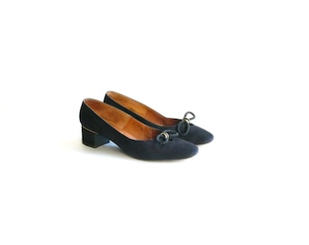 Vintage Black Suede Low Heels with Bow - size 7