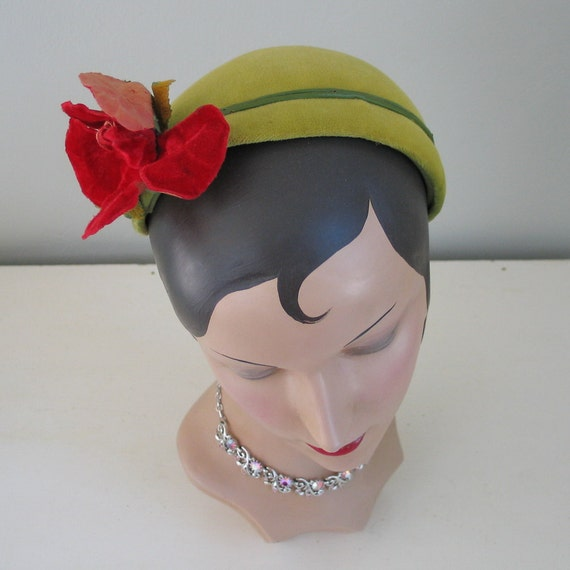 Vintage 1950s Chartreause Green Velveteen // Close Hat with Bright Lipstick Red Rose