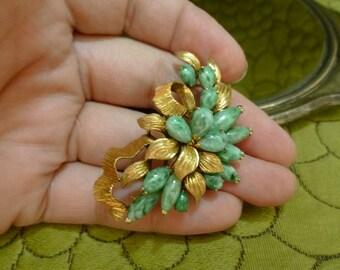 14k Gold Carved Jade Brooch Floral Design