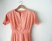 peachy orange paisley vintage dress, cotton vintage dress, size XS dress, summer dress, peach dress, cotton sundress