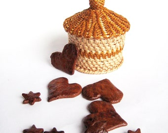 Handwoven basket Wicker trinket box Woven treasury chest Rustic table decor Gnome house Orange brown cap Gingerbread