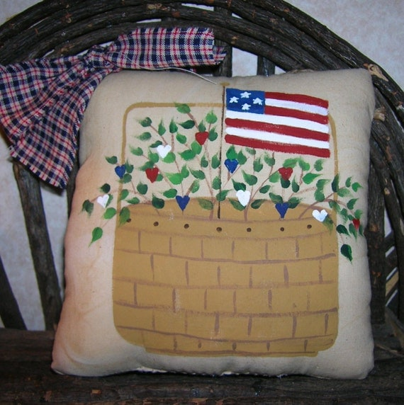 Primitive Patriotic Pillow Tuck Americana Folk Art Basket & Flag Wall Hanging Ornie