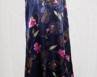 Size Large - Chemise - by Vanity Fair - Vintage - Nightgown - Nightie - Spaghetti Straps - Navy Floral Paisley Print