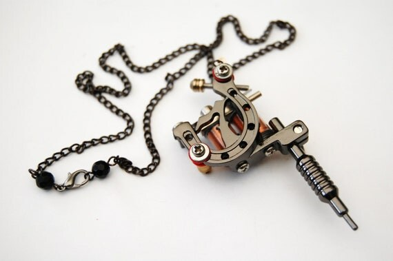 Black Tattoo Machine Pendant Necklace - Lucky 7 Horse Shoe with Nape Piercing Style Crystal Clasp Detail