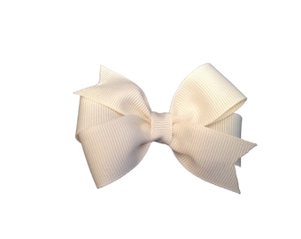 Ivory hair bow - ivory bow, off white bow, 3 inch bows, pinwheel bows, girls hair bows, girls bows, toddler bows, baby bows, hair clips