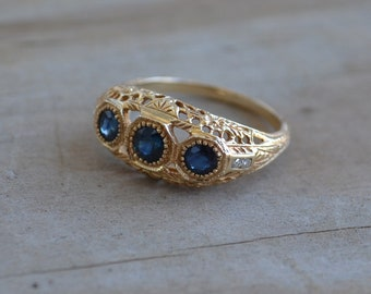 Beautiful edwardian / early art deco style 14k yellow gold filigree engagement ring with sapphires / three stone / diamond accent