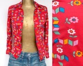 RED GRAPHIC SHIRT flowered from the 70s.  S .