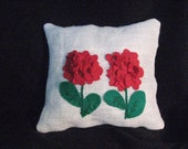Red geraniums on burlap felt flowers treasury item epsteam