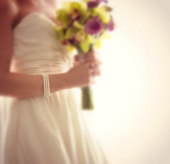 Bridal Cuff Bracelet, Pearl Wedding Bracelet, Multi Strand Pearl Bracelet. White Pearl Bridal Bracelet. Vintage Style Wedding Jewellery