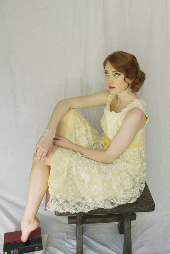 Sweet Southern Lemonade Dress. 1960's. Long VINTAGE dress.