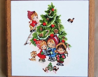 80s VINTAGE CHRISTMAS TRIVET - Decorative Ceramic Tile Framed in Oak  - Children Decorating Tree