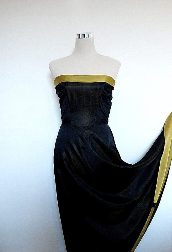 25% off with code XMASETSYUK - Vintage gown by Trina Lewis / Evening dress / Strapless / Cocktail dress / Prom dress / Black and gold.