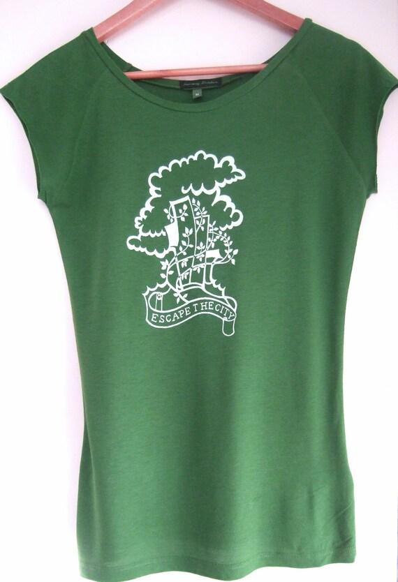 SALE Escape the City  Womens green tunic T shirt  size medium