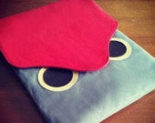 iPad Case/Sleeve - Hoot The Owl (Scarlet Red Gray)