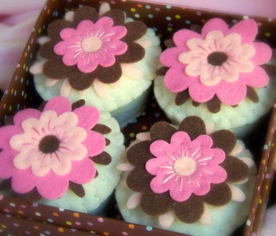 Felt Cupcakes -  Coco Dreams Set of 4 with Gift Box -  LAST ONE