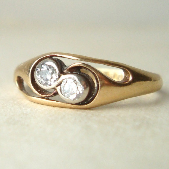 Vintage Engagement Ring 1950s Diamond RIng 18k Gold Twin