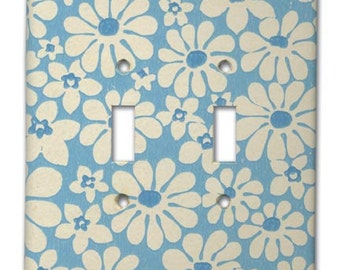 Double Switch Plate 1960's Vintage Wallpaper Mod Daisy