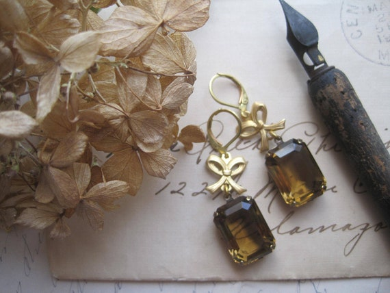 french, amber, smoky topaz, emerald cut, bow, vintage earrings. Memory. free shipping  gift box