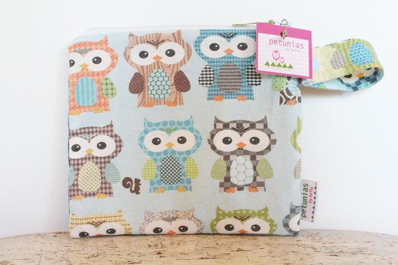The Owl ICKY Bag petite - WETBAG - wet bag waterproof gym sports cloth diaper pouch zipper snap handle baby gift gear