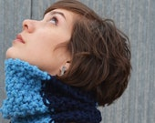 Sky Blue and Navy Wool Blend Bumpy Cowl