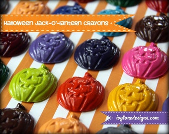 Kids' HALLOWEEN Crayons Treats JACK-O'-LANTERN Pumpkins Crayons Recycled, Party Pack of 20 Wrapped Favors, Eco-Friendly Trick or Treat Toys