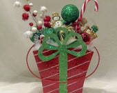 TODAYS SPECIAL Free Shipping Christmas Present Decoration Tin  Peppermint Stems Poinsettias and Candy Cane